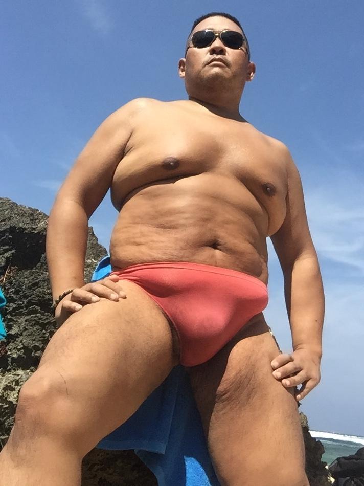 Bikini sun bather (13/218)