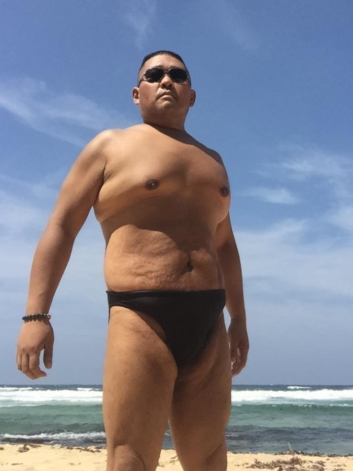 Bikini sun bather (15/218)