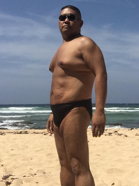Bikini sun bather (20/218)