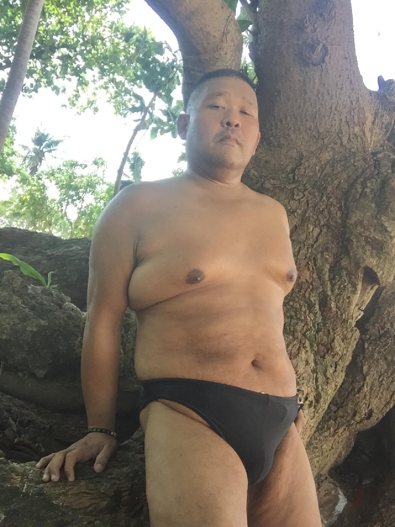 Bikini sun bather (27/218)