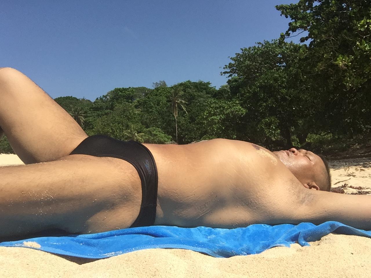 Bikini sun bather (30/218)