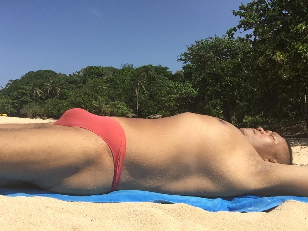 Bikini sun bather (33/218)