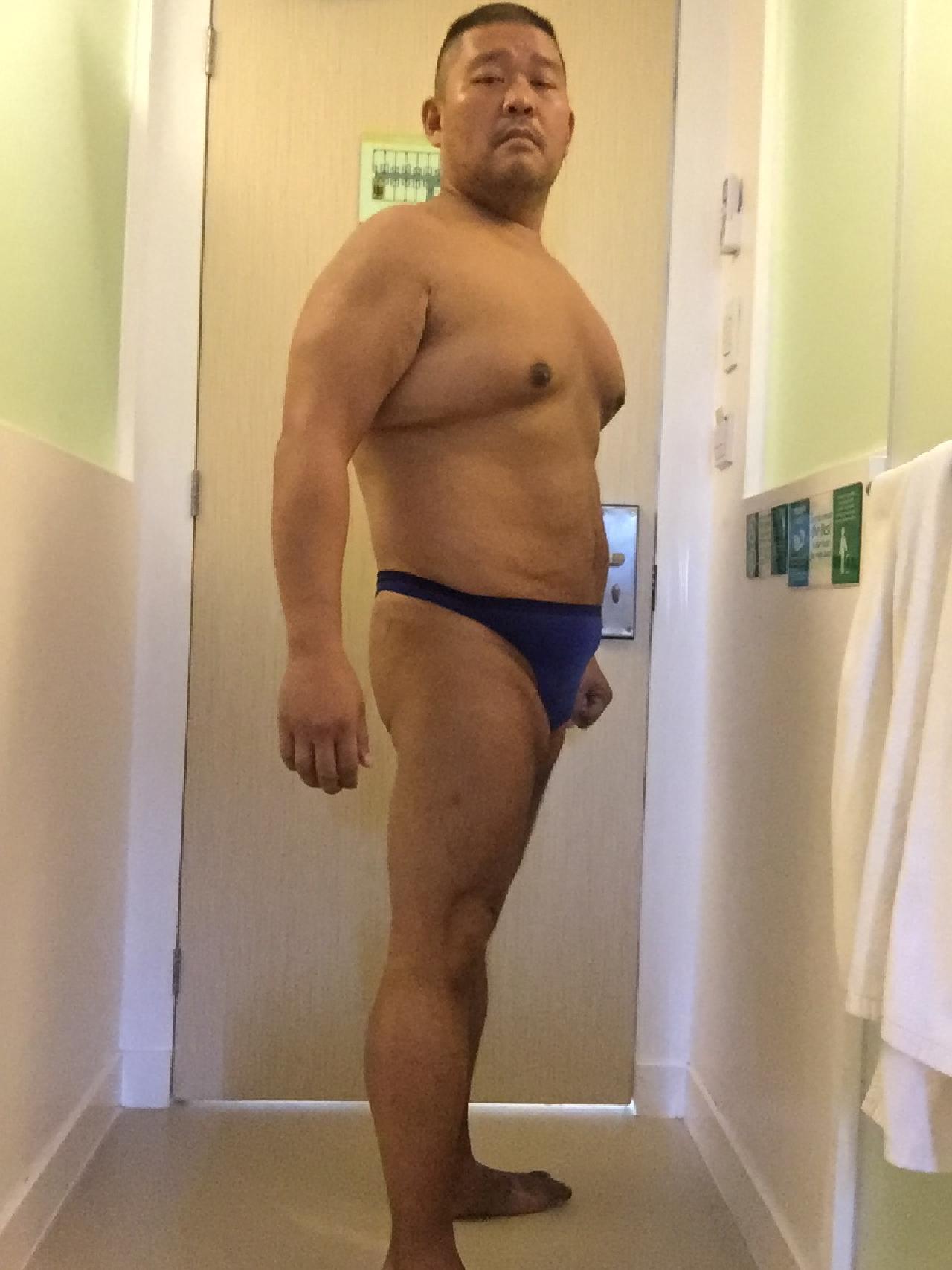 Bikini sun bather (42/218)
