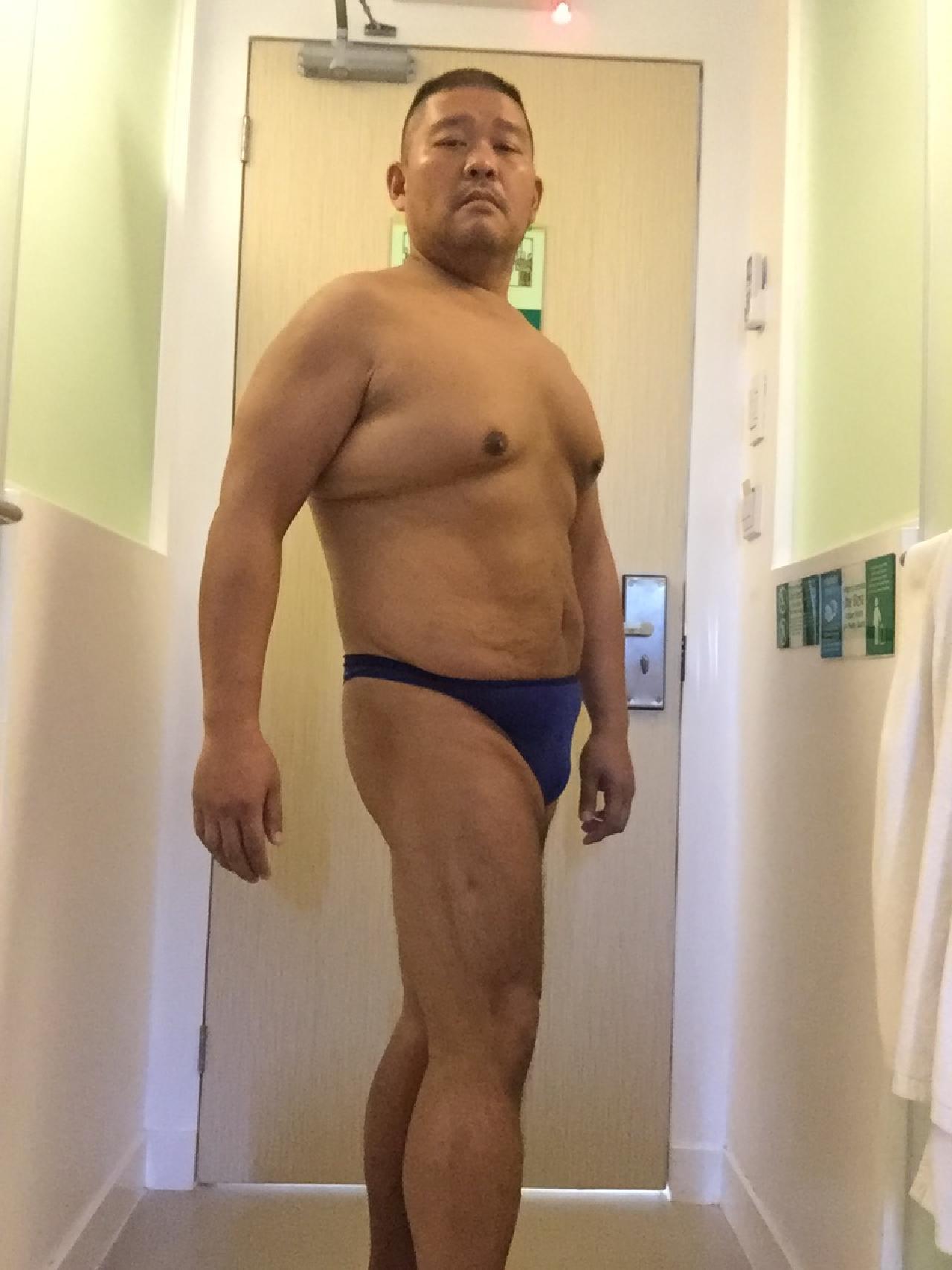 Bikini sun bather (46/218)