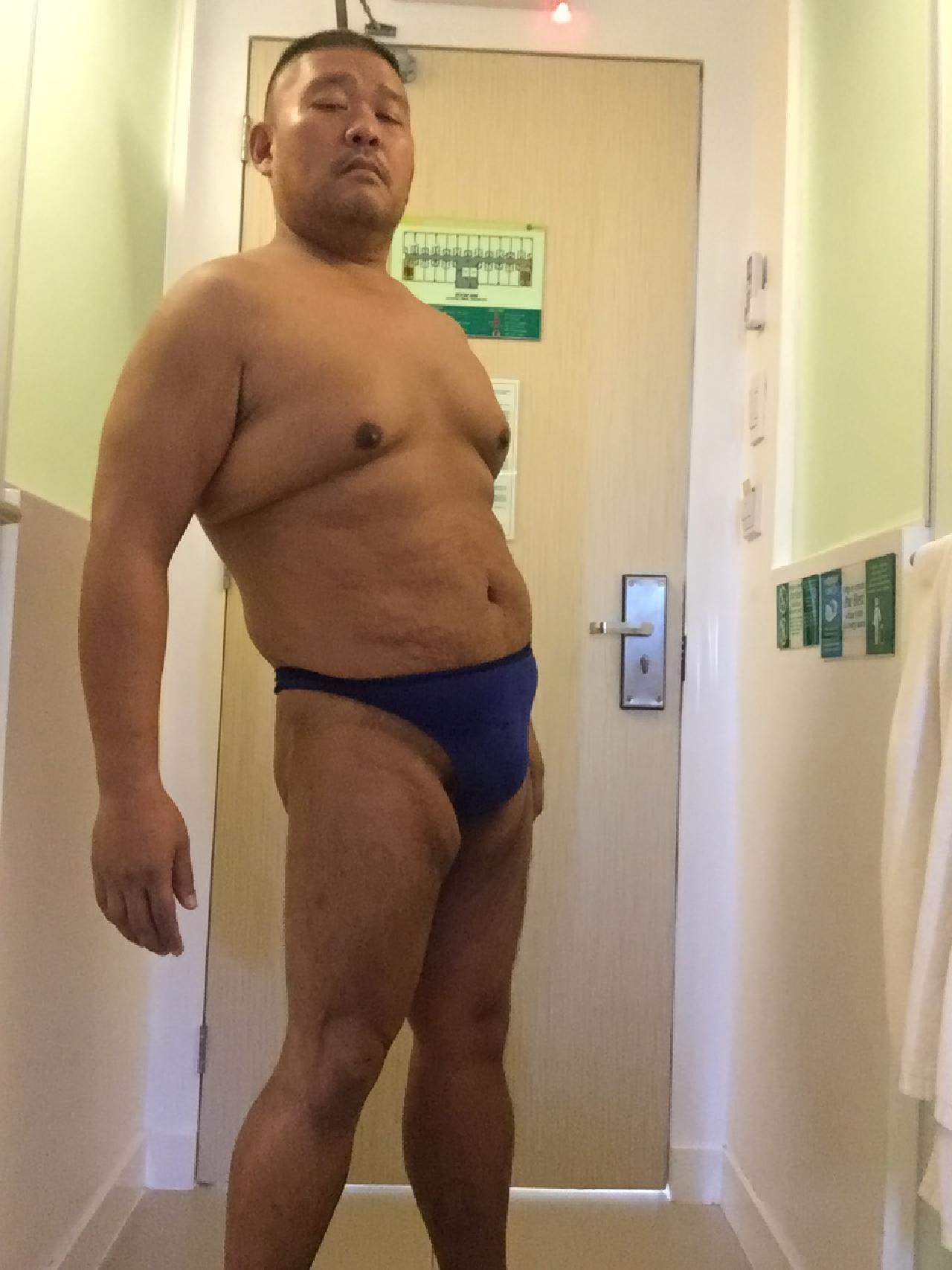 Bikini sun bather (47/218)