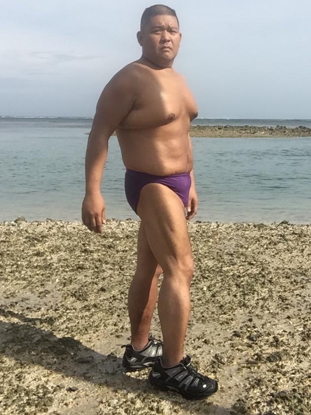 Bikini sun bather (83/218)
