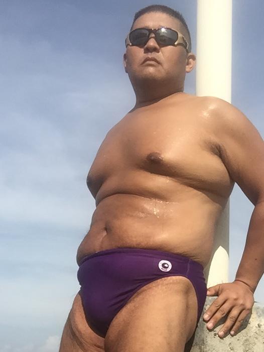 Bikini sun bather (86/218)