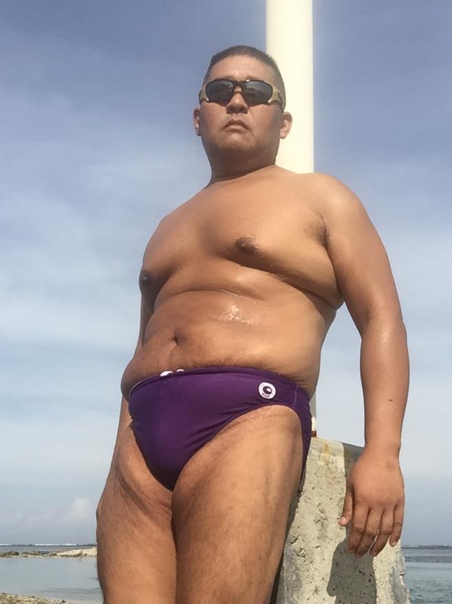 Bikini sun bather (88/218)