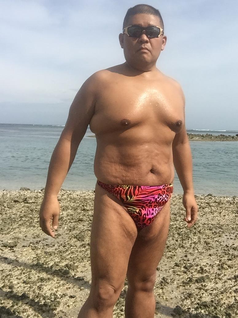 Bikini sun bather (89/218)