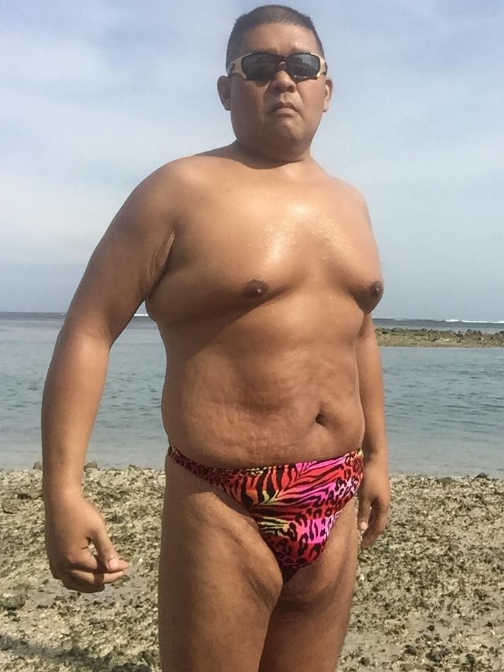 Bikini sun bather (90/218)