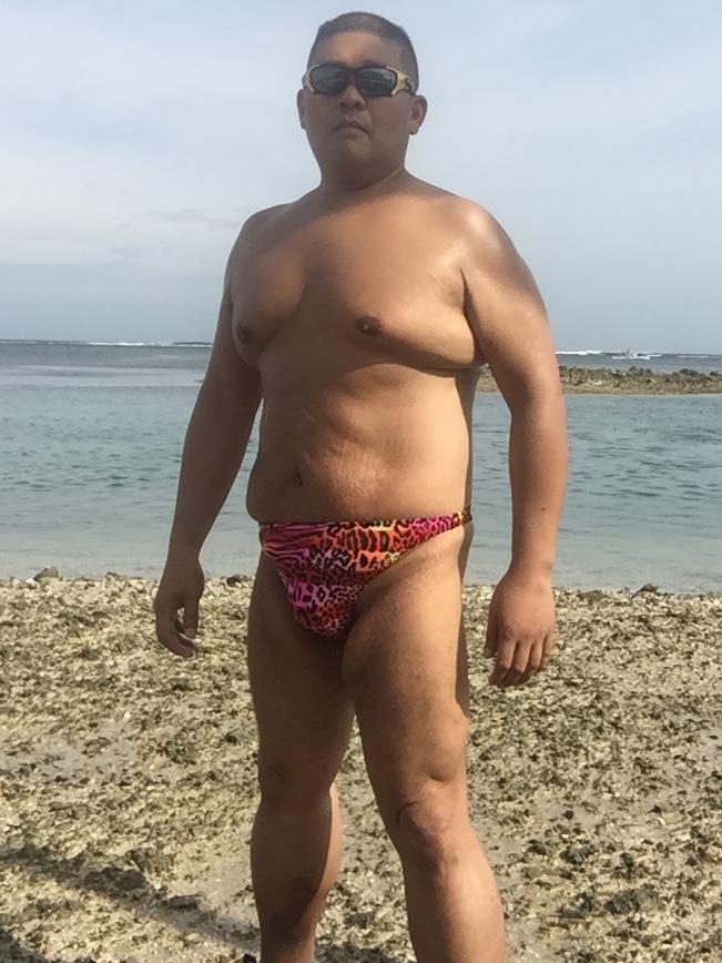 Bikini sun bather (93/218)