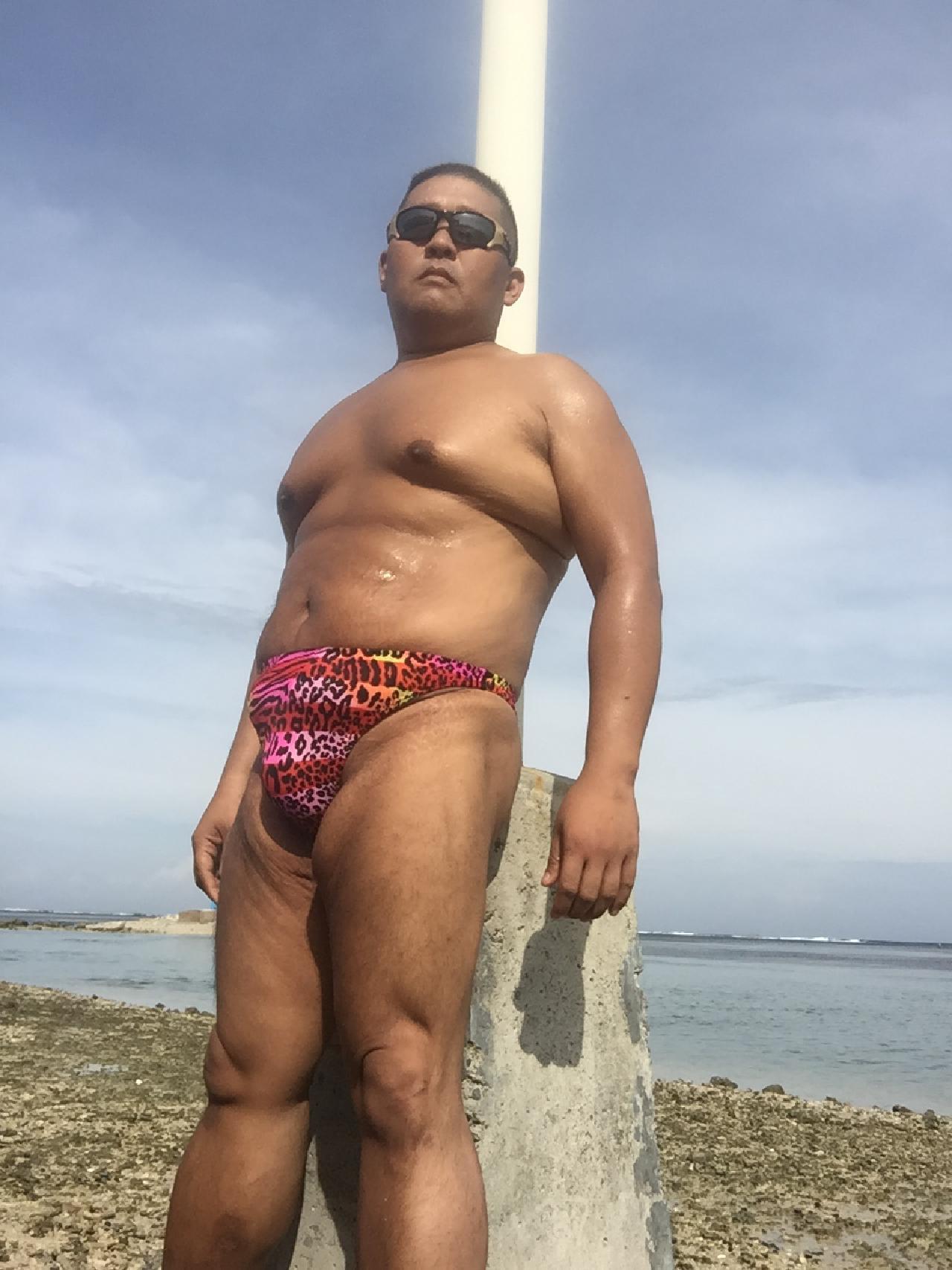 Bikini sun bather (99/218)