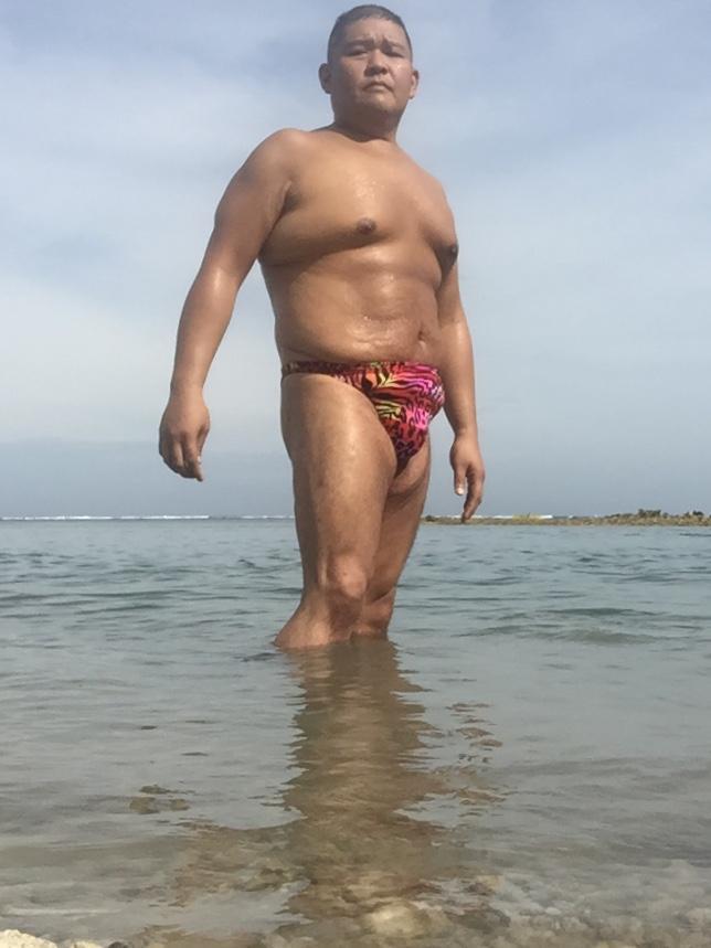 Bikini sun bather (106/218)
