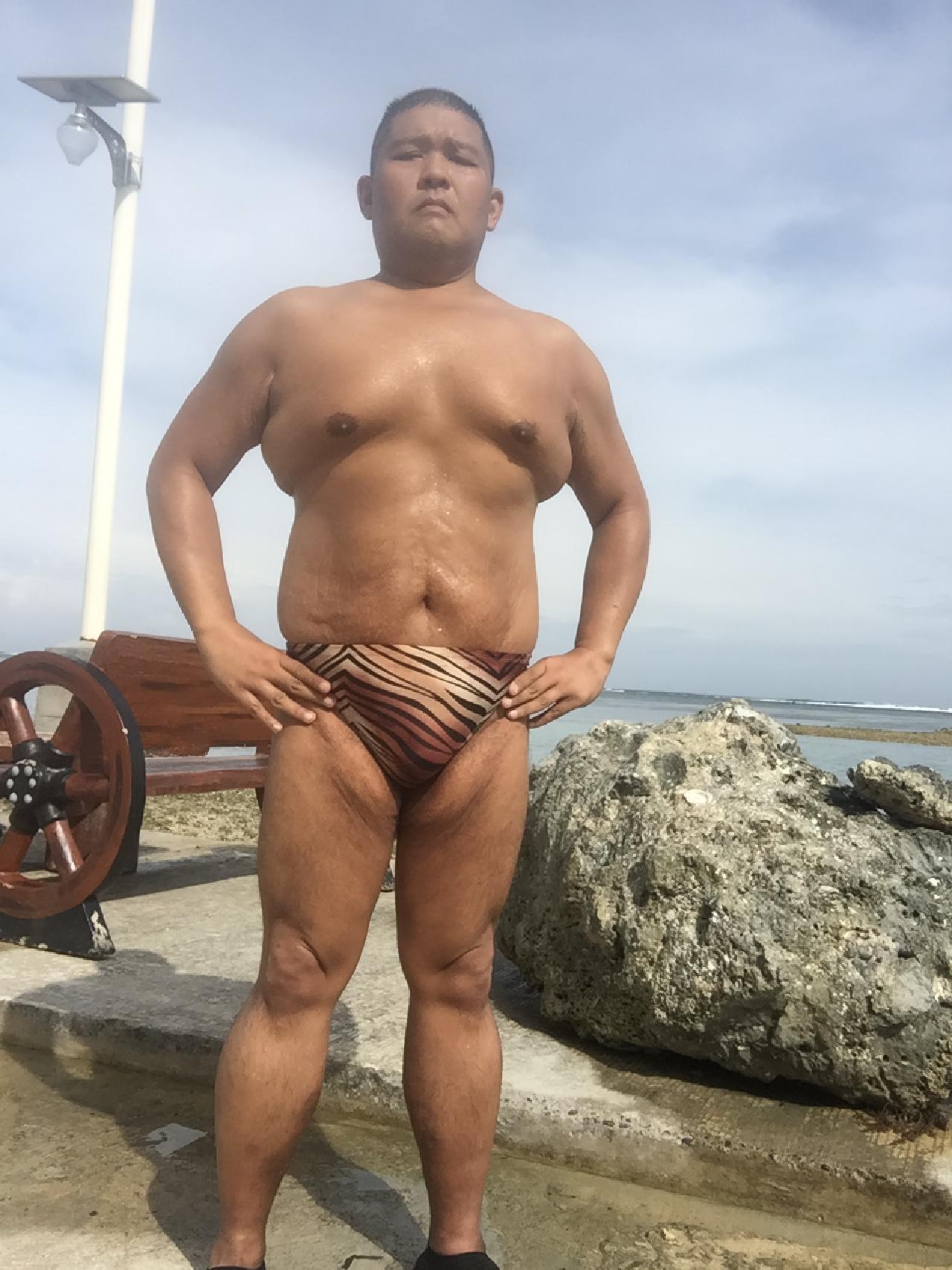 Bikini sun bather (113/218)
