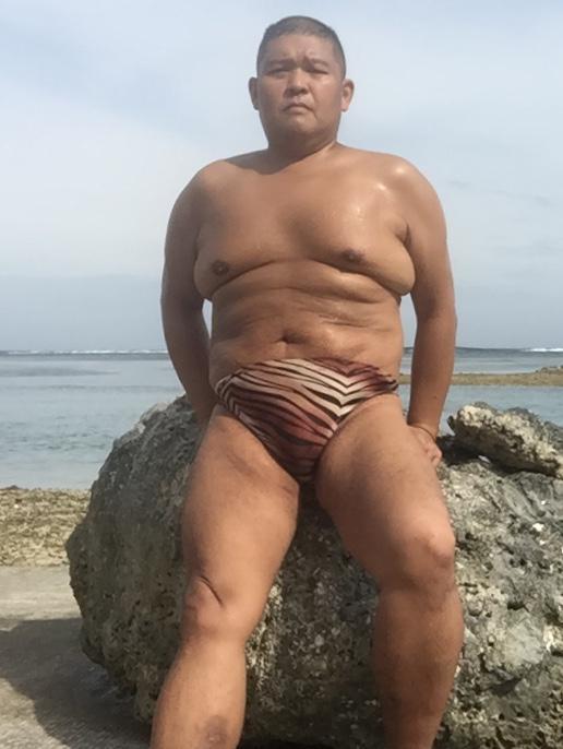 Bikini sun bather (115/218)