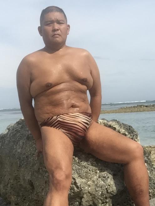 Bikini sun bather (116/218)