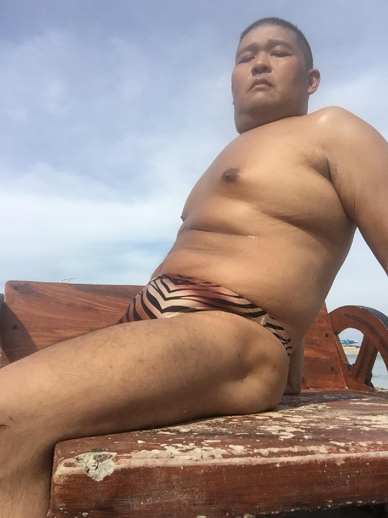 Bikini sun bather (121/218)