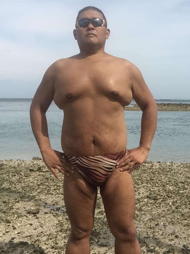 Bikini sun bather (128/218)