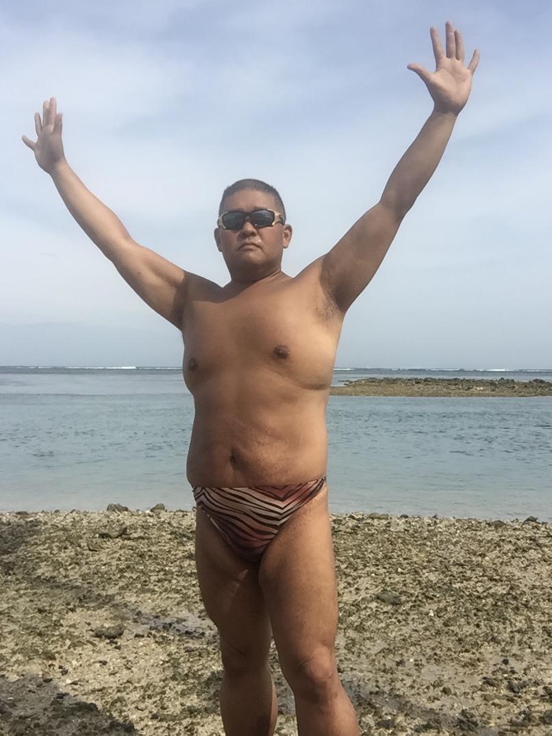 Bikini sun bather (129/218)