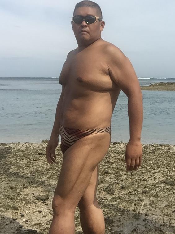 Bikini sun bather (130/218)