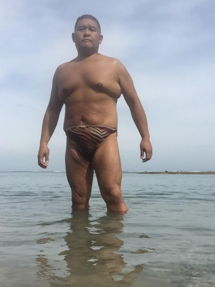 Bikini sun bather (132/218)