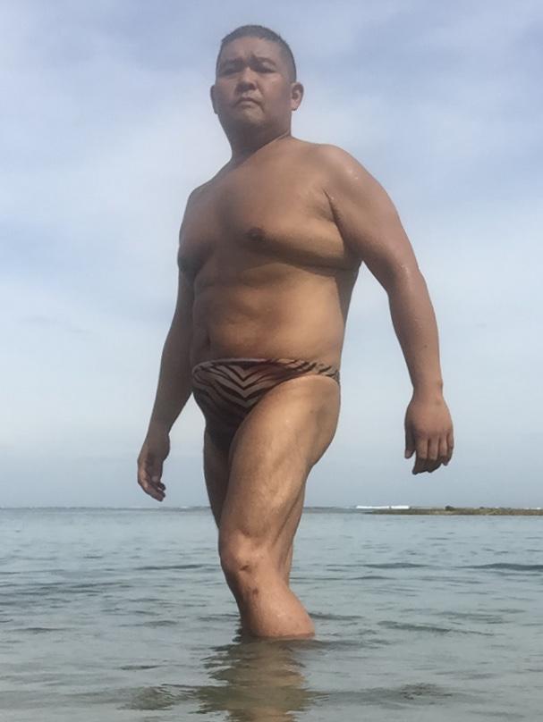 Bikini sun bather (133/218)
