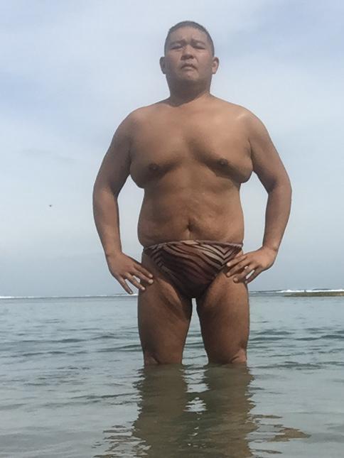 Bikini sun bather (134/218)