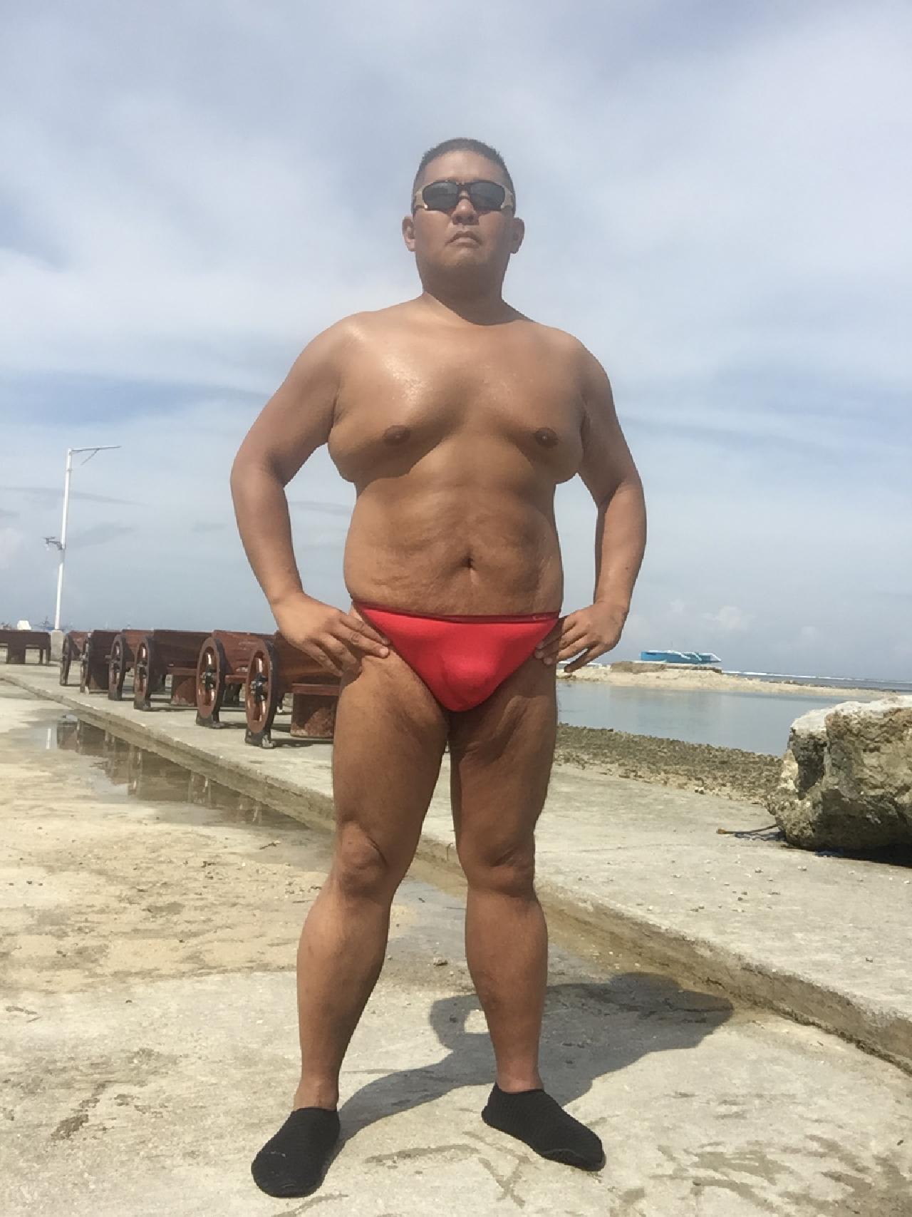 Bikini sun bather (158/218)