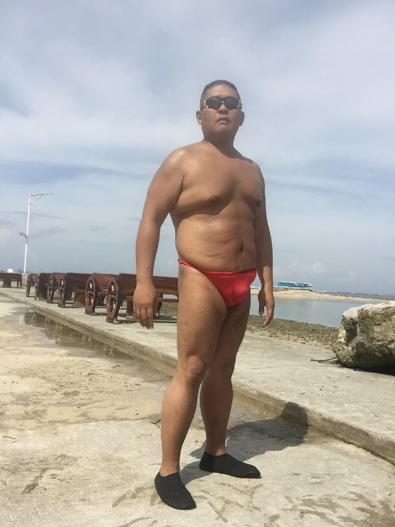 Bikini sun bather (159/218)