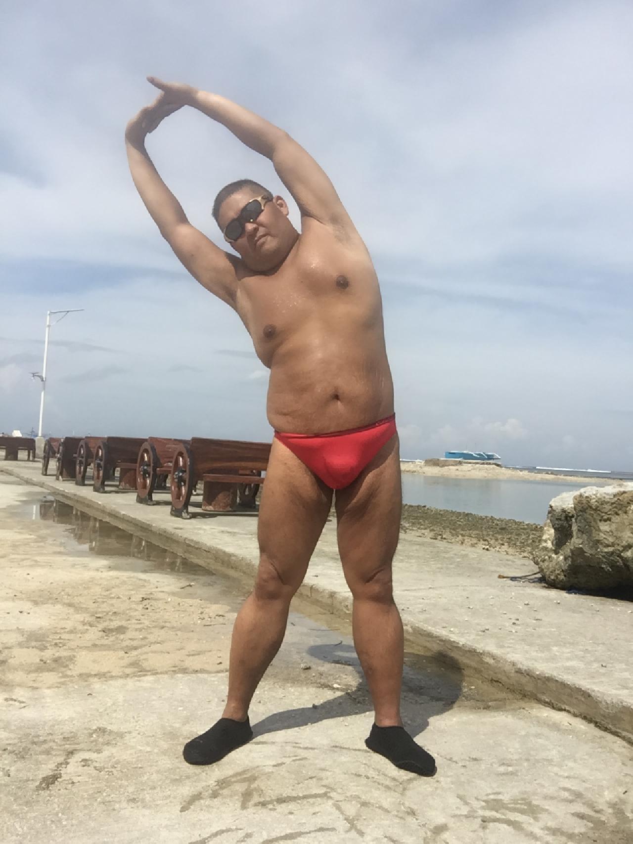Bikini sun bather (161/218)