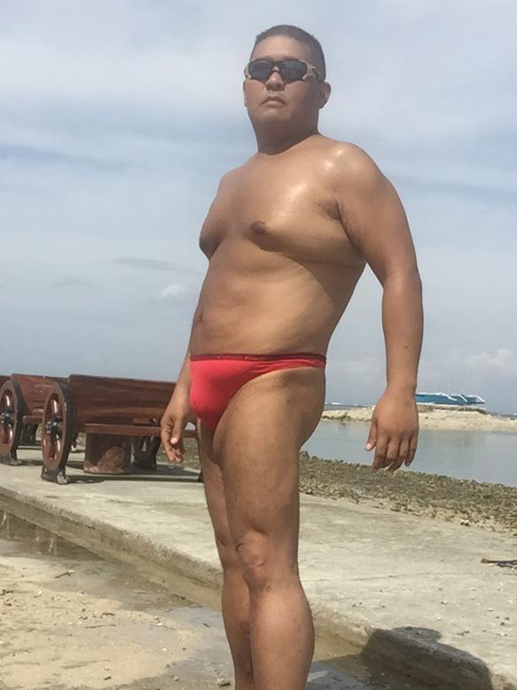 Bikini sun bather (162/218)