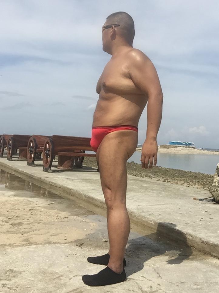 Bikini sun bather (163/218)