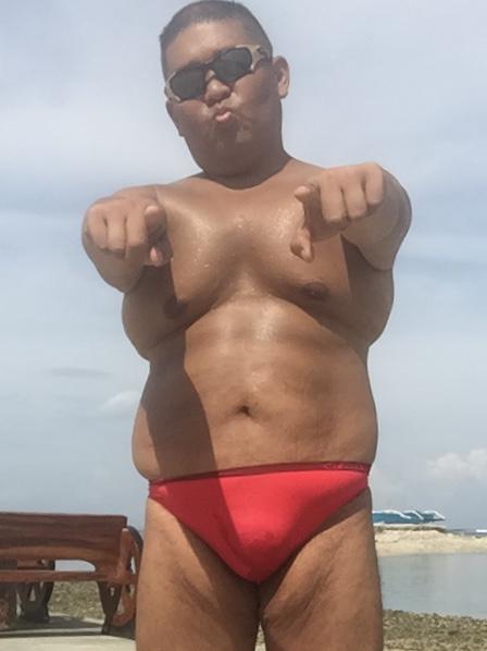 Bikini sun bather (166/218)
