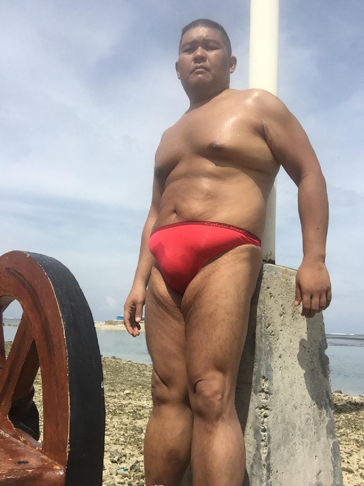 Bikini sun bather (178/218)