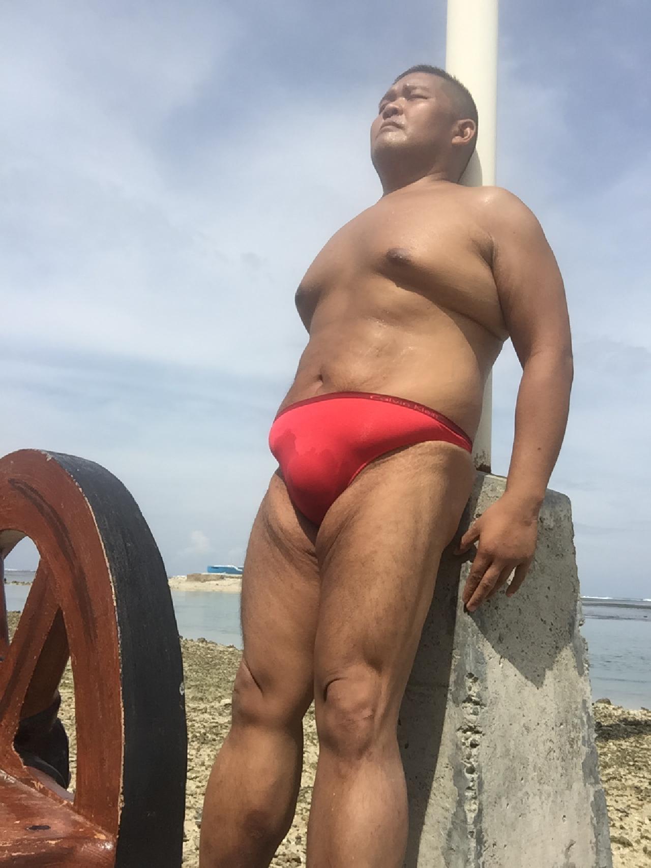 Bikini sun bather (179/218)