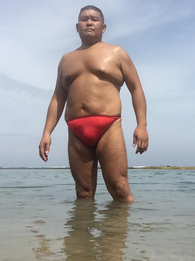 Bikini sun bather (183/218)