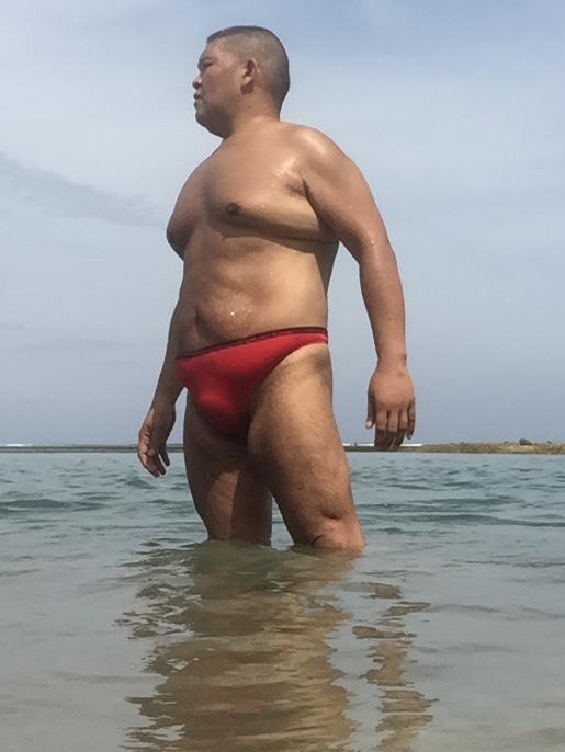 Bikini sun bather (185/218)