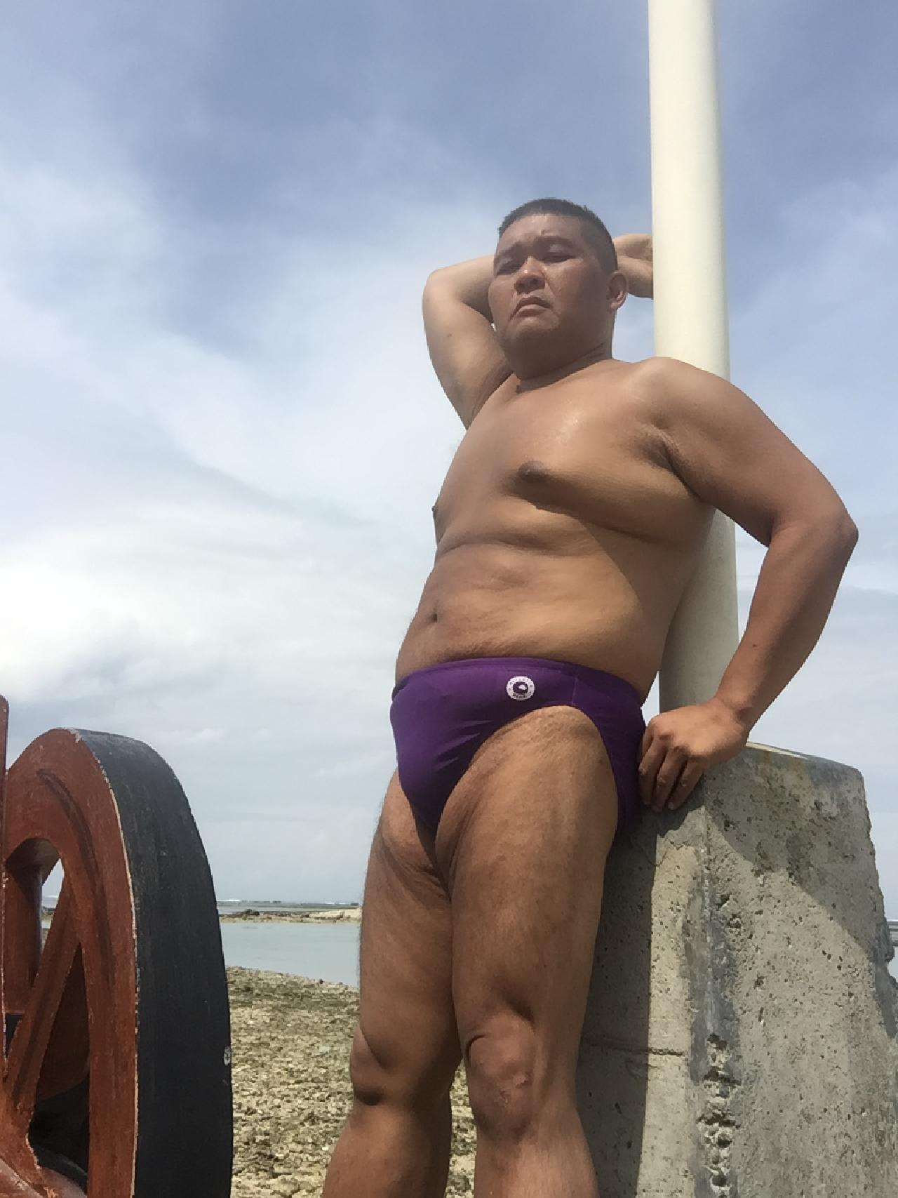 Bikini sun bather (218/218)