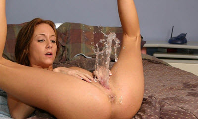 masturbating squirting Pussy Squirting